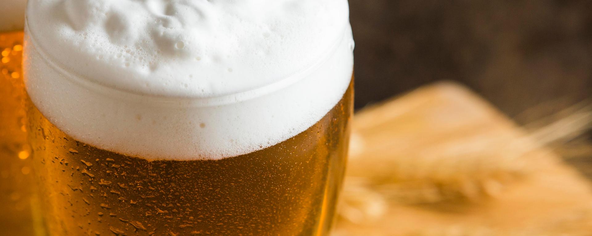 cerveza con ingredientes naturales
